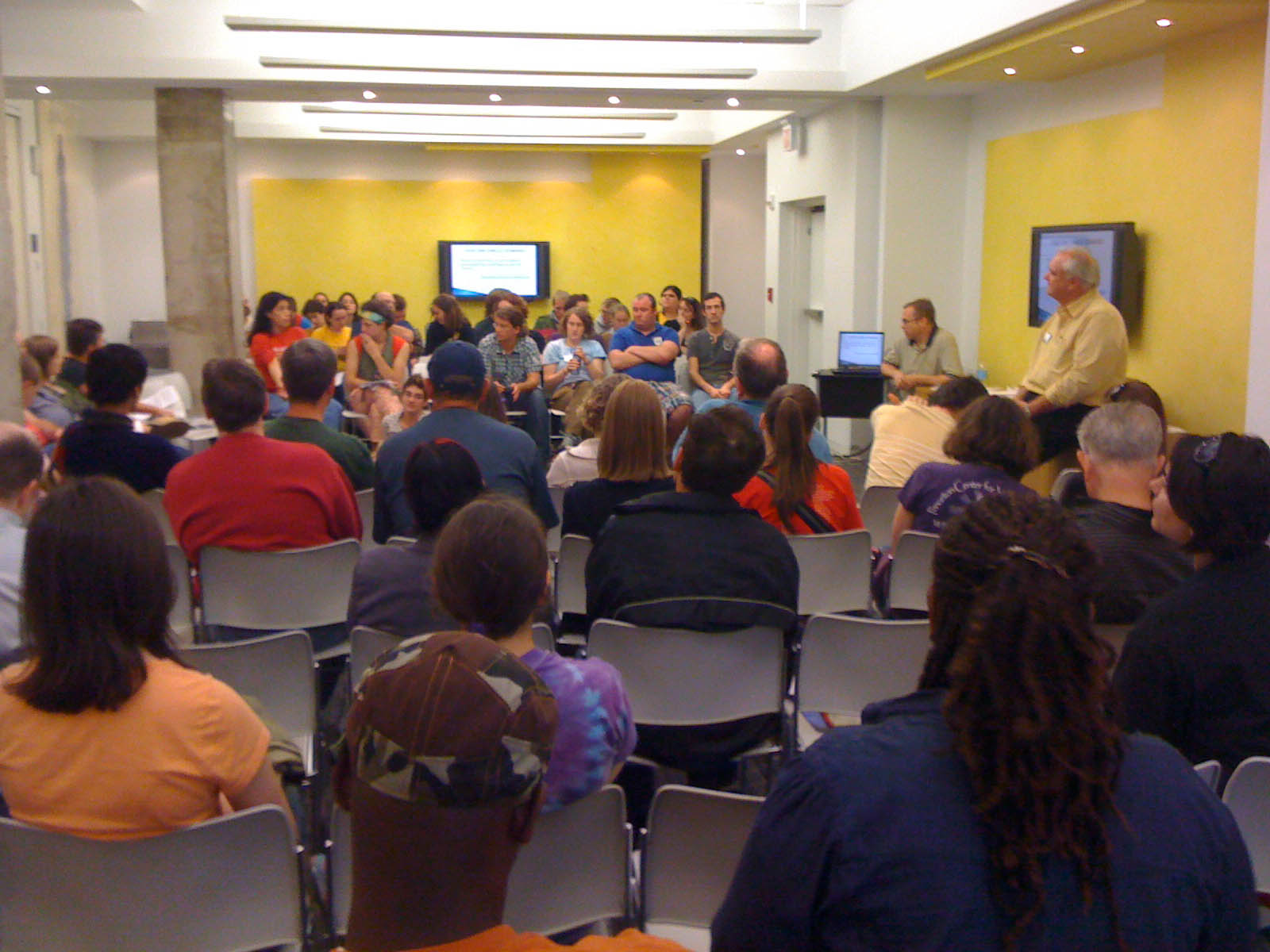 Bill Carpenter and Chris Hubble Train National Equality March Activists in the Philosophy and Practice of Nonviolent Strategies.